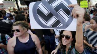 Des manifestants antiracistes à Charlottesville, dans l'est des États-Unis, le 13 août 2017.