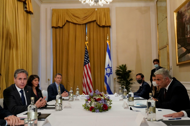 US Secretary of State Antony Blinken (L) meets Israeli Foreign Minister Yair Lapid (R) in Rome in June 2021
