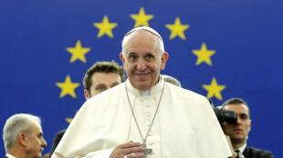 Le pape François s'exprime mardi 25 novembre devant le Parlement européen de Strasbourg, 16 ans après Jean-Paul II.