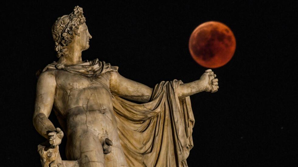 Este eclipse total de luna fue el más largo del siglo XXI.