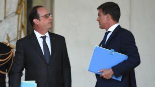 Le président François Hollande et le Premier ministre Manuel Valls, le 19 août à l'Elysée.
