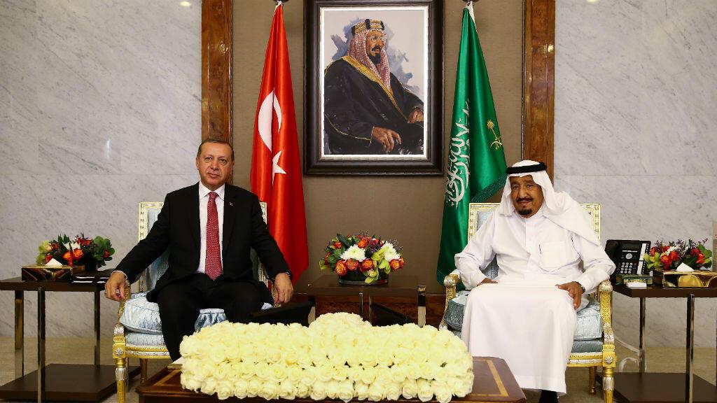Le président turc Recep Tayyip Erdogan et le roi Salmane d'Arabie Saoudite à Jeddah, le 23 juillet 2017.