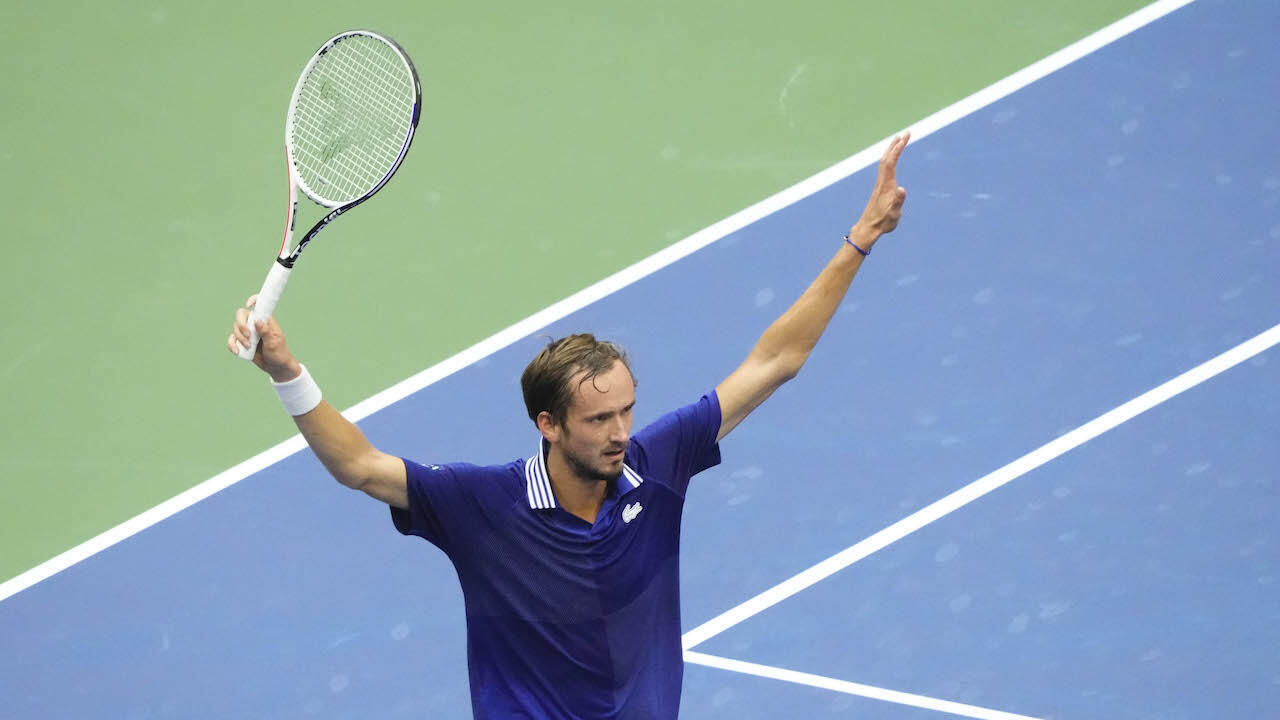 2021-09-12T220606Z_187645226_MT1USATODAY16742280_RTRMADP_3_TENNIS-US-OPEN