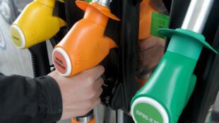 Les tarifs des carburants vont être rééquilibrés en la défaveur du diesel.