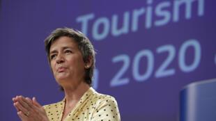نائبة رئيسة المفوضية الدنماركية مارغريت فيستاغر في مؤتمر صحافي في 13 أيار/مايو 2020