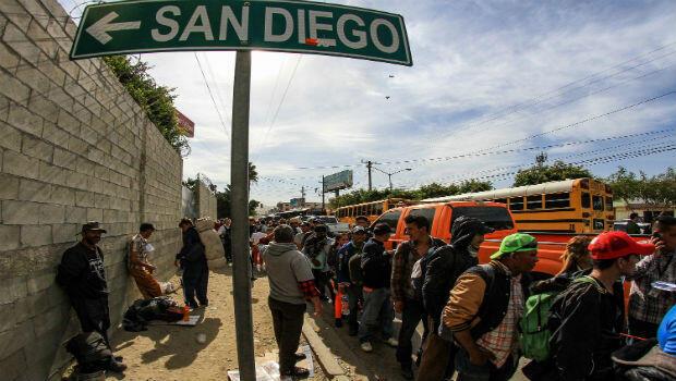 Integrantes de la caravana de centroamericanos llegaron a Tijuana, en el estado de Baja California, México. Planean pedir asilo en los puentes fronterizos con EE.UU., pese a las amenazas y restricciones del presidente Donald Trump.