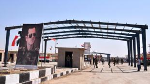 عناصر من الأمن السوري عند معبر البوكمال في شرق سوريا في 30 أيلول/سبتمبر 2019