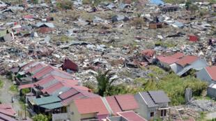 Vue aérienne du quartier de Petobo après le séisme et le tsunami qui ont frappé Palu, le 28 septembre.