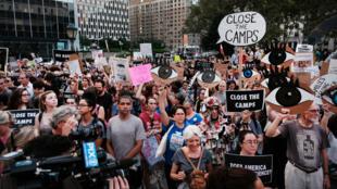 Manifestation contre les camps de rétention de migrants aux États-Unis, le 12 juillet 2019 dans le quartier de Manhattan à New-York.