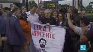 2019-11-09 09:31 Lula da Silva's supporters partied as former Brazilian president left prison