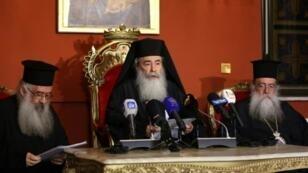 بطريرك الأرثوذكس لمدينة القدس وسائر أعمال فلسطين والأردن ثيوفيلوس الثالث في مؤتمر صحافي في عمان في 12 آب/أغسطس 2017