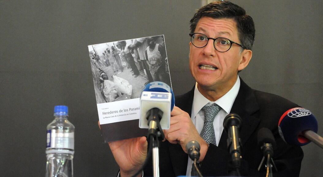 Archivo-El director de Human Rights Watch para las Américas, José Miguel Vivanco, durante una rueda de prensa, en Bogotá, Colombia, el 3 de febrero de 2010.