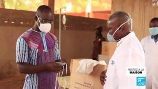 2020-04-23 11:02 Pandémie de Covid-19 : Des masques made in Burkina Faso