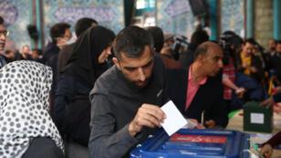 جل يدلي بصوته في الانتخابات التشريعية الإيرانية - طهران 21/02/2020
