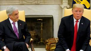 El presidente de Estados Unidos, Donald Trump, habla junto al presidente chileno Sebastián Piñera en la Oficina Oval de la Casa Blanca en Washington DC, el 28 de septiembre de 2018.
