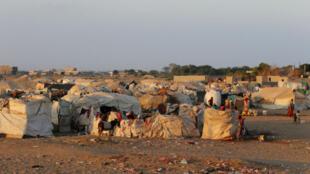 Des déplacés près d'Aden ont fui les combats dans le port d'Hodeïda, le 12 novembre 2018.