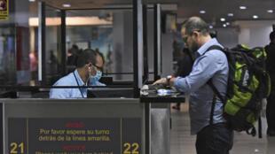 Foto de archivo tomada el 4 de marzo de 2020 en el Aeropuerto Internacional de Aurora, en Ciudad de Guatemala