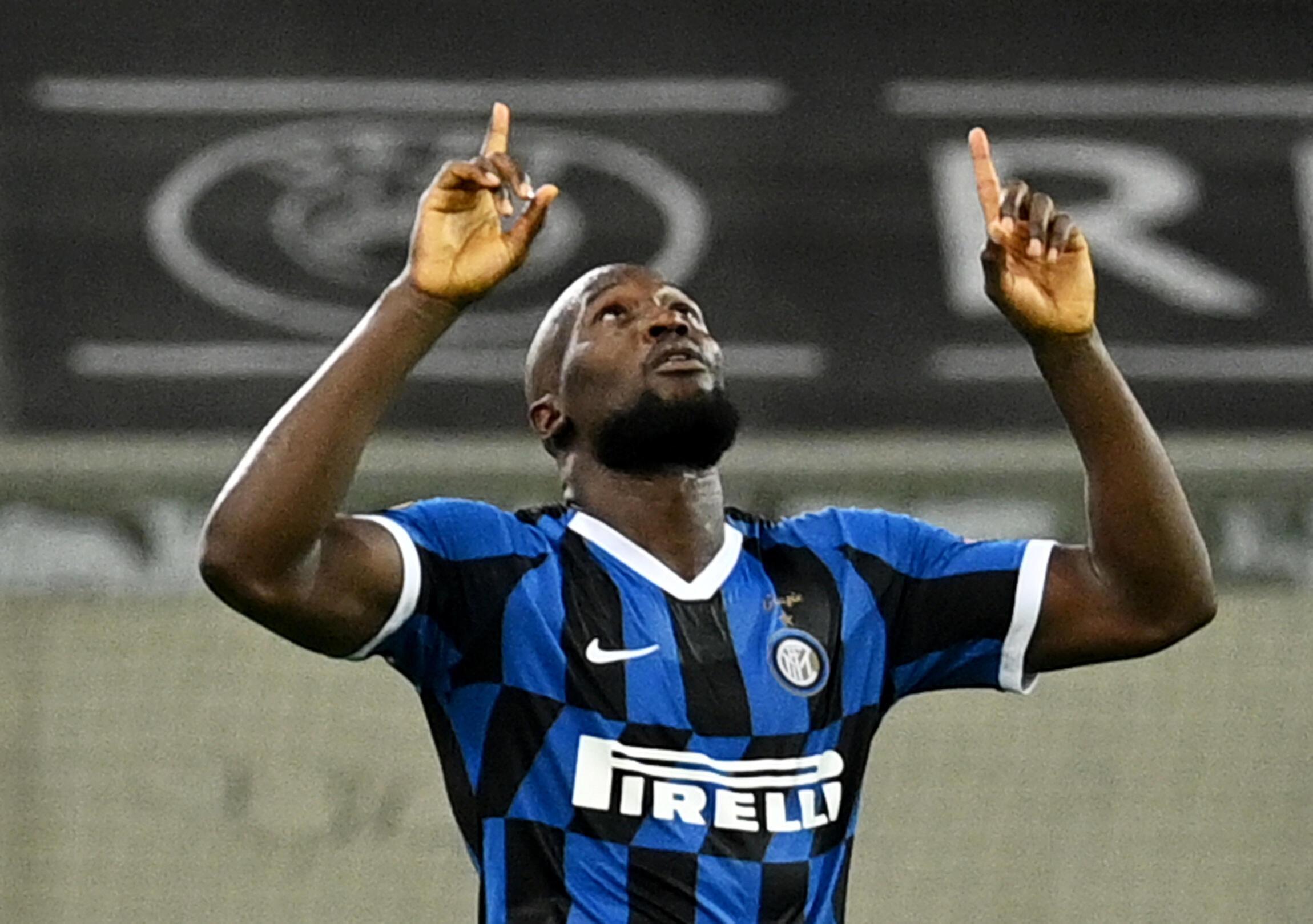 Romelu Lukaku célèbre son but pour l'Inter Milan, le 17 août 2020 à Dusseldorf.