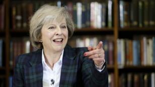 رئيسة الوزراء البريطانيية تيريزا ماي.