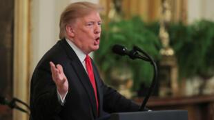 """El presidente de Estados Unidos, Donald Trump, asiste a un evento para celebrar el primer aniversario de la iniciativa """"Be Best"""" de la primera dama Melania Trump en el Jardín de Rosas de la Casa Blanca en Washington, EE. UU., el 7 de mayo de 2019."""