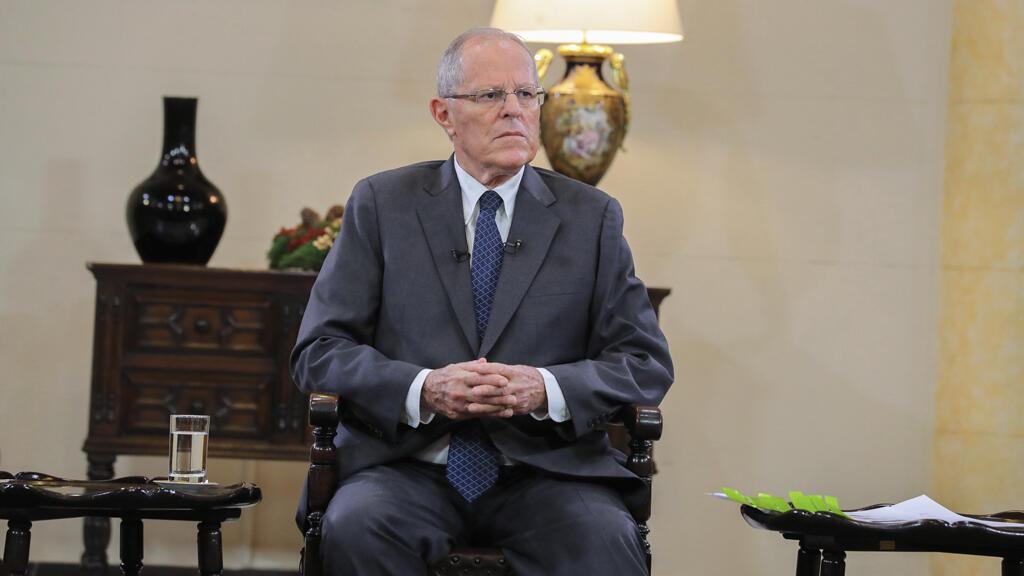 El presidente peruano Pedro Pablo Kuczynski da una entrevista a los medios en el Palacio de Gobierno en Lima, Perú, el 17 de diciembre de 2017.