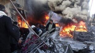 قصف على طريق الباب شمال حلب في 1 شباط/فبراير 2014