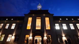 المدرسة الوطنية للإدراة بمدينة سترازبورغ الفرنسية.