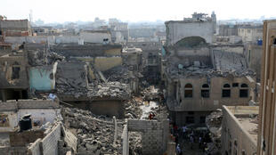 Des immeubles détruits par des raids de la coalition dans la ville d'Hodeida, tenue par les rebelles Houthis, le 21 septembre 2016.