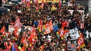 مظاهرات في مرسيليا للمطالبة بتحسين القدرة الشرائية، في 19 مارس/آذار 2019.