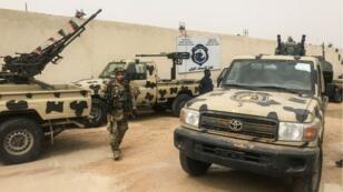 قوات موالية لحكومة الوفاق الوطني الليبية تنتشر في شوارع طرابلس في 6 أبريل/نيسان 2019