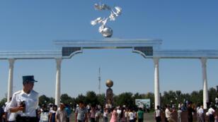 Un parc de Tachkent, la capitale de l'Ouzbékistan, en septembre 2011.