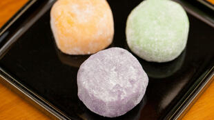 Les Japonais consomment en moyenne un kilo de mochi par an.