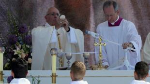 Devant plus de 2,5 millions de jeunes rassemblés, le pape a annoncé que les prochaines JMJ se tiendraient au Panama.