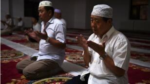 تحصي الصين 10 ملايين مسلم من أقلية الإيغور وخصوصا في منطقة شينجيانع.