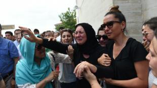 مشاهد هلع وحزن بعد اعتداء مطار إسطنبول
