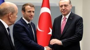 رجب طيب أردوغان مع إيمانويل ماكرون في الأمم المتحدة. 2017/09/17