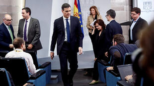 El presidente del Gobierno, Pedro Sánchez, durante la comparecencia en la que ha anunciado la composición de su Ejecutivo, hoy en el Palacio de La Moncloa.