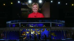 Hillary Clintion apparaissant sur une vidéo diffusée durant la convention démocrate.