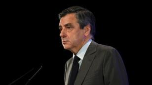 François Fillon s'est adressé aux députés LR, mardi 14 février 2017, pour réaffirmer sa volonté d'être candidat jusqu'au bout.