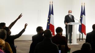 Le Premier ministre Jean Castex tient une conférence de presse à Paris sur les restrictions sanitaires le 26 novembre 2020