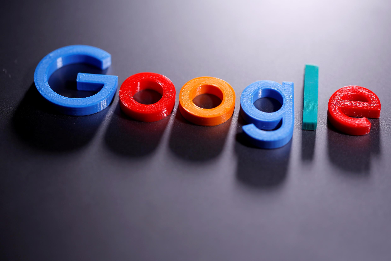 صورة لشعار غوغل ثلاثي الأبعاد في رسم توضيحي ملتقطة في 12 أبريل/نيسان 2020.