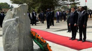 Hommage aux soldats français tués en 2004 à Bouaké.