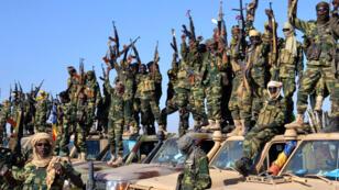 Des soldats tchadiens réunis le 1er février à proximité de la ville nigérianne de Gamboru