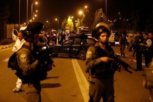 الشرطة الإسرائيلية في موقع هجوم في مستوطنة غوش عتصيون 19 تشرين الثاني/نوفمبر 2015