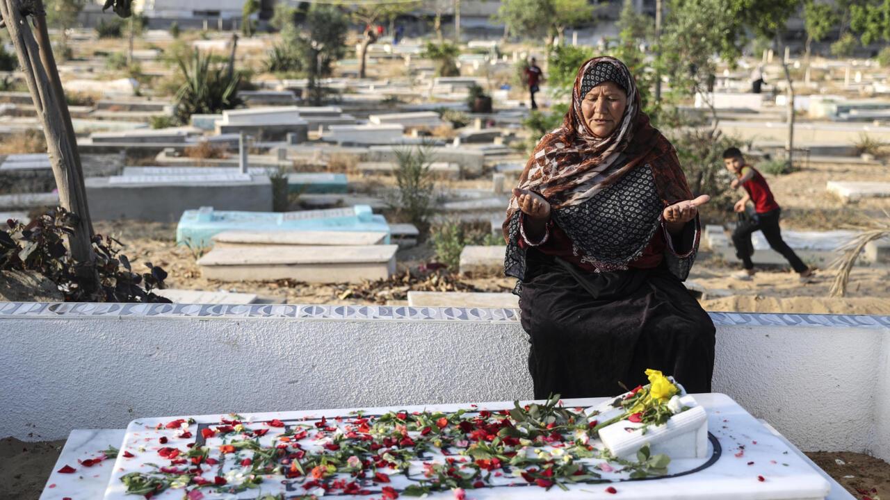 Muslims mark grim Eid in shadow of Israel-Palestinian crisis - France 24