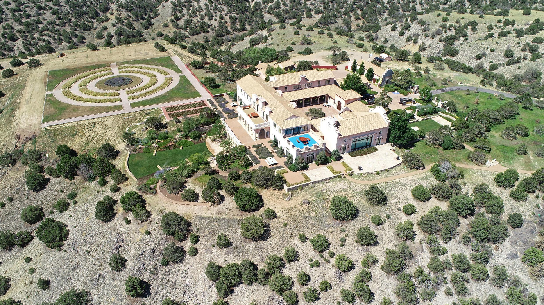 Zorro Ranch, una de las propiedades del financiero Jeffrey Epstein, se ve en una vista aérea cerca de Stanley, Nuevo México, Estados Unidos, 15 de julio de 2019.