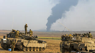 Des chars israéliens stationnés près de la frontière avec la bande de Gaza.