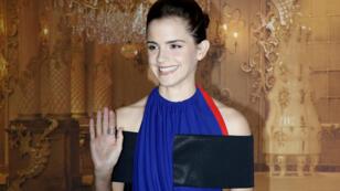 Emma Watson, en robe Louis Vuitton conçue à partir de bouteilles de plastique recyclées, à Paris le 20 février 2017.