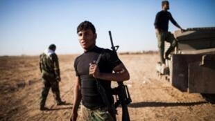مقاتلون من الحشد الشعبي قرب تلعفر في 20 تشرين الثاني/نوفمبر 2016