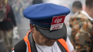 """94,97% des cheminots se sont prononcés contre la réforme du rail préparée par le gouvernement lors d'une consultation """"vot'action""""."""